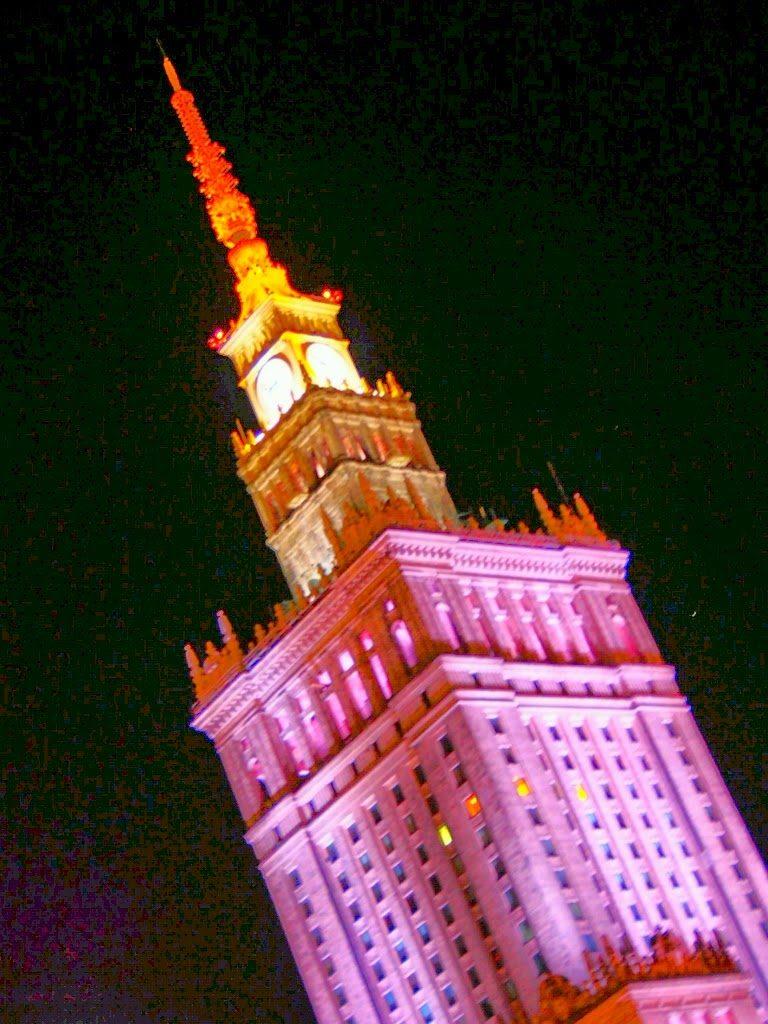 文化科学宮殿・ライトアップ