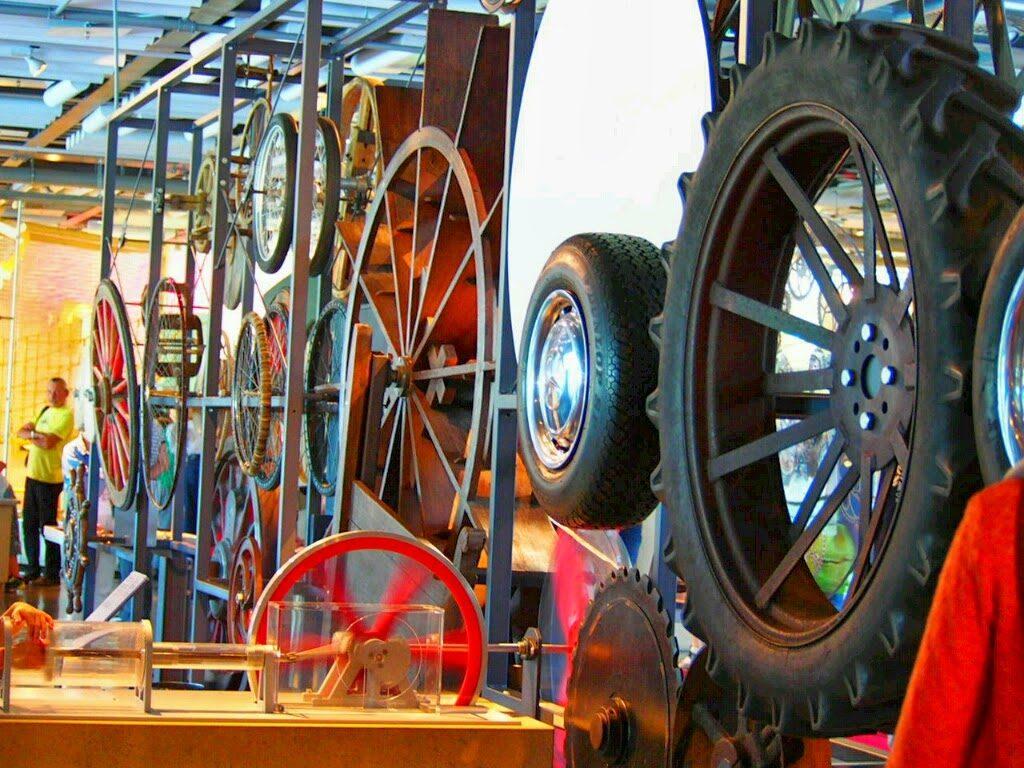 連動する車輪
